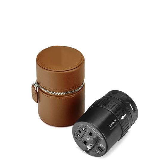 Universal-Travel-Adapter-Cognac-Base